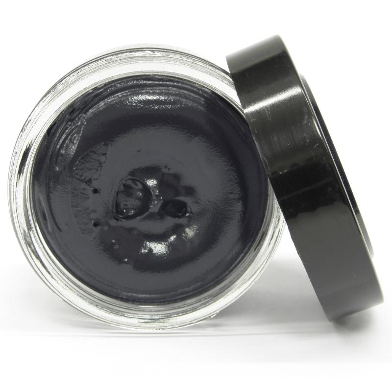 cirage famaco de couleur gris loutre pour vos chaussures. Black Bedroom Furniture Sets. Home Design Ideas