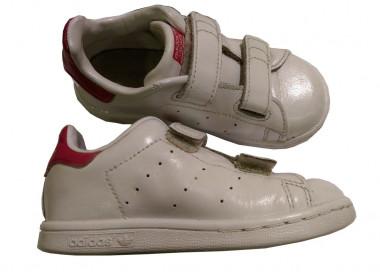 site réputé c1970 af8fd Comment bien entretenir ou rénover ses baskets blanches stan ...