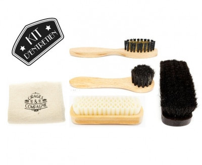 kit de brosses pour l 39 entretien des chaussures. Black Bedroom Furniture Sets. Home Design Ideas